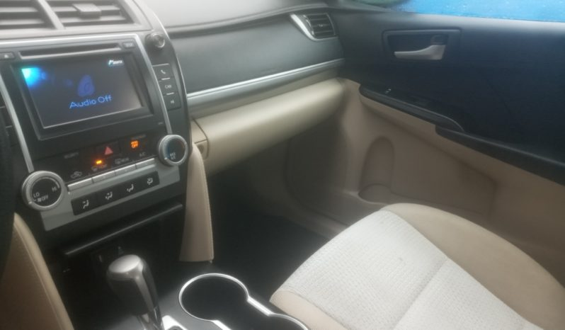 2013 Toyota Camry Le full